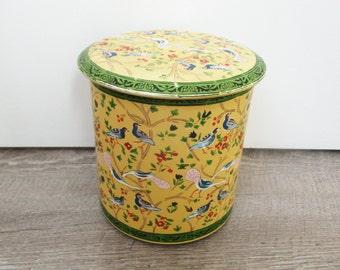 Vintage french tin box depicting birds, 1950-1960, Retro kitchen, Yellow, Kitsh, Mid century, Pop colors