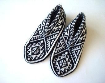 mens socks - knitted mens slippers - mens slippers - White and Black Turkish Knitted Socks Slippers, geometric triangle mens slippers