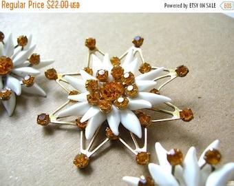 SALE Flower Rhinestone Brooch Set - Daisy Brooch and Earring Set - Mid Century Brooch - Clip on Earrings