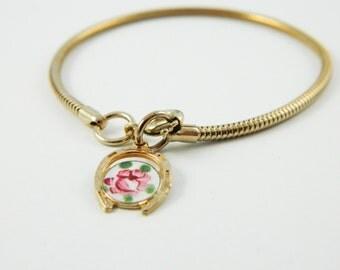 Guilloche Horseshoe Charm Bracelet - BR007