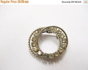 ON SALE Vintage Intertwining Circle Rhinestone Pin Item K # 461