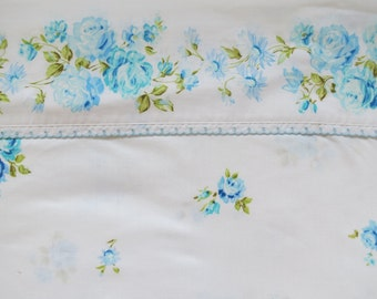 Vintage Sheet - Scattered Blue Roses - Full or Double Flat Sheet