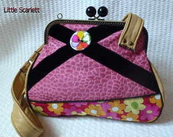 retro bag in pink and beige leather and fabrics pattern flowers