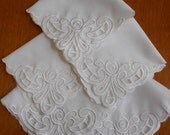 "5 White Napkins Vintage Embroidered Corner and Scallop Hem 11"" Wedding Linens Holiday Linens"