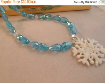 ON SALE Light blue crystal teardrop jewelry set with snowflake pendant ,crystal bracelet and necklace,blue teardrop set
