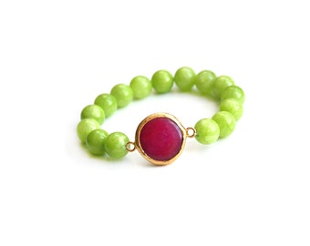 Fuchsia Jade Connector with Apple Green Jade Beads Elastic Bracelet