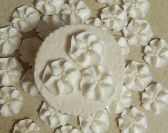 """50 - 1""""  White Royal Icing Drop Flowers"""