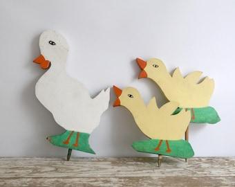 Vintage Wooden Garden Decor, Wood Lawn Stakes, Wood Lawn Ornaments, Wooden Duck Garden Decor, Cottage Garden Ornaments, Farmhouse Garden