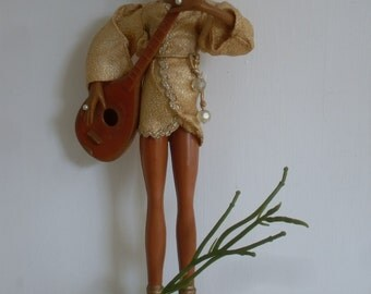 Vintage Mid Century   Female Mandolin Player  Statue