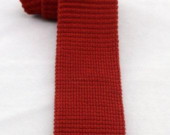 Vintage Men's Red Flat Knit Skinny Tie/ Retro Square Knit Necktie