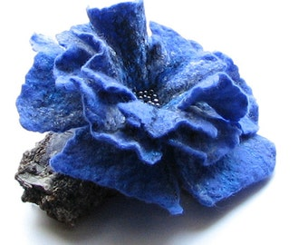 Mothersday gift -  Lovely  Flower Brooch  - Unique Gift for Mom