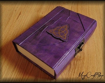 Diary or Book of Shadows TRIQUETRA with LOCK - different colors and customizable - medium size 8,67x5,91 inch (22x15 cm)