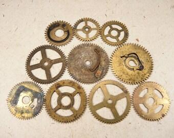 Brass Clock Gears Wheels - Steampunk Jewelry Findings - set of 10 - g35