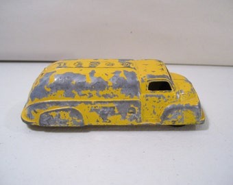 Vintage Tootsietoy Die-cast Tanker Truck, Yellow, Made in USA