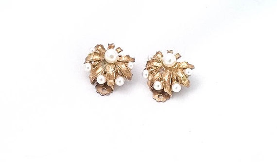 Vintage Gold Brass Leaf with white faux pearl Clip Earrings