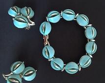Vintage Lisner Jewelry Set - Earrings and Bracelet - Signed - 1950s