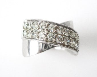 Beautiful Sterling Silver Pave CZ Ring Size 7