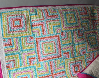 Squiggle Striped Quilt