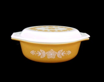 Pyrex Butterfly Gold Oval Casserole #043 with Lid * 1970s