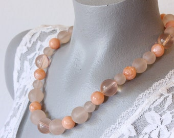 Vintage Salmon Pink Plastic Bead Necklace (retro 60s 70s 80s lucite clear marbled light spring easter single strand round)