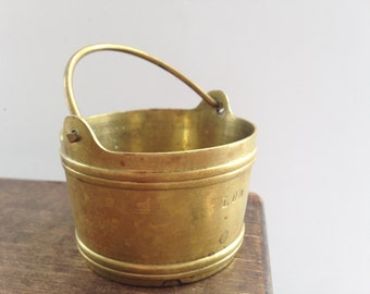 Small brass bucket Miniature brass bucket Small brass bucket Dollhouse Shadowbox