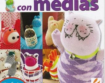 On Sale!!!! Magazine - CREATE ANIMALS with SOCKS -  Crea Munecos con Medias (Spanish) - Retired