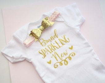 Newborn onsie, gold gilitter, coming home outfit