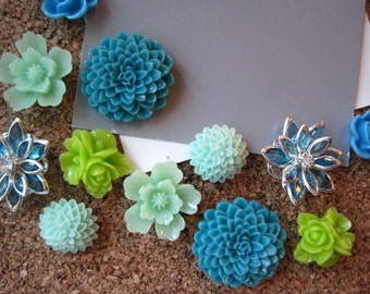 Pretty Thumbtacks / Flower Push Pins 12 pcs Green Flower Thumbtacks, Bulletin Board Thumbtacks, Housewarming Gifts, Wedding Favors