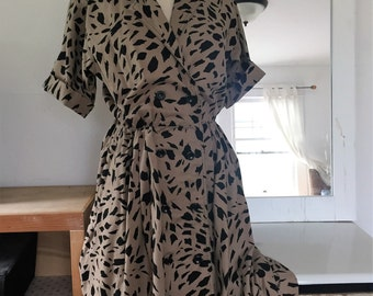 Vintage Cotton Wrap dress, Size 10 Petite MADE in USA.