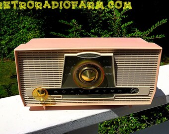 BLUETOOTH MP3 Ready - Pink And White Atomic Age Vintage 1959 RCA Victor Model X-4HE Tube AM Radio Amazing!