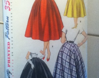 "Simplicity Vintage Skirt Pattern 1131   Waist Size: 25"", Hip 34"""