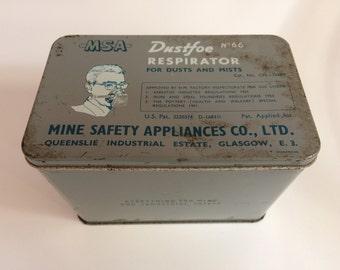 Dustfoe vintage tin