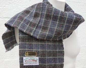 Vintage scarf mens 90s wool neckwarmer womens scarf ladies Welsh wool accessory gift fall scarf winter autumn cosy scarf soft wool UK gift.