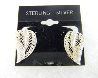 Sterling Silver 925  Leaf Post Earrings #7039