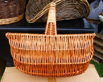 Job Lot - 4 large wicker baskets - DIY gift hamper making - floral displays - storage - shopping - upcycling - traditional