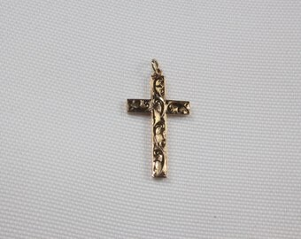 9ct Victorian Engraved Cross