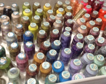 Fabulux vaigeted  thread by Wonderfil, Small spool