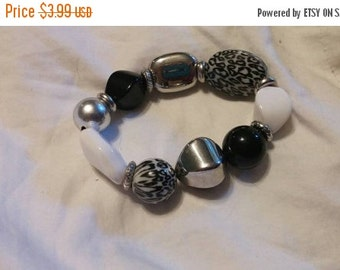 On Sale Collectible Bling Black and Silver Toned Chunky Stretchable Bracelet Costume Jewelry Fashion Accessory