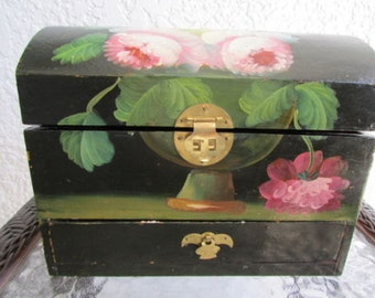 vintage Chinese hand painted roses on WOODEN JEWELRY CHEST jewelry box with hinged lid and drawer Gs