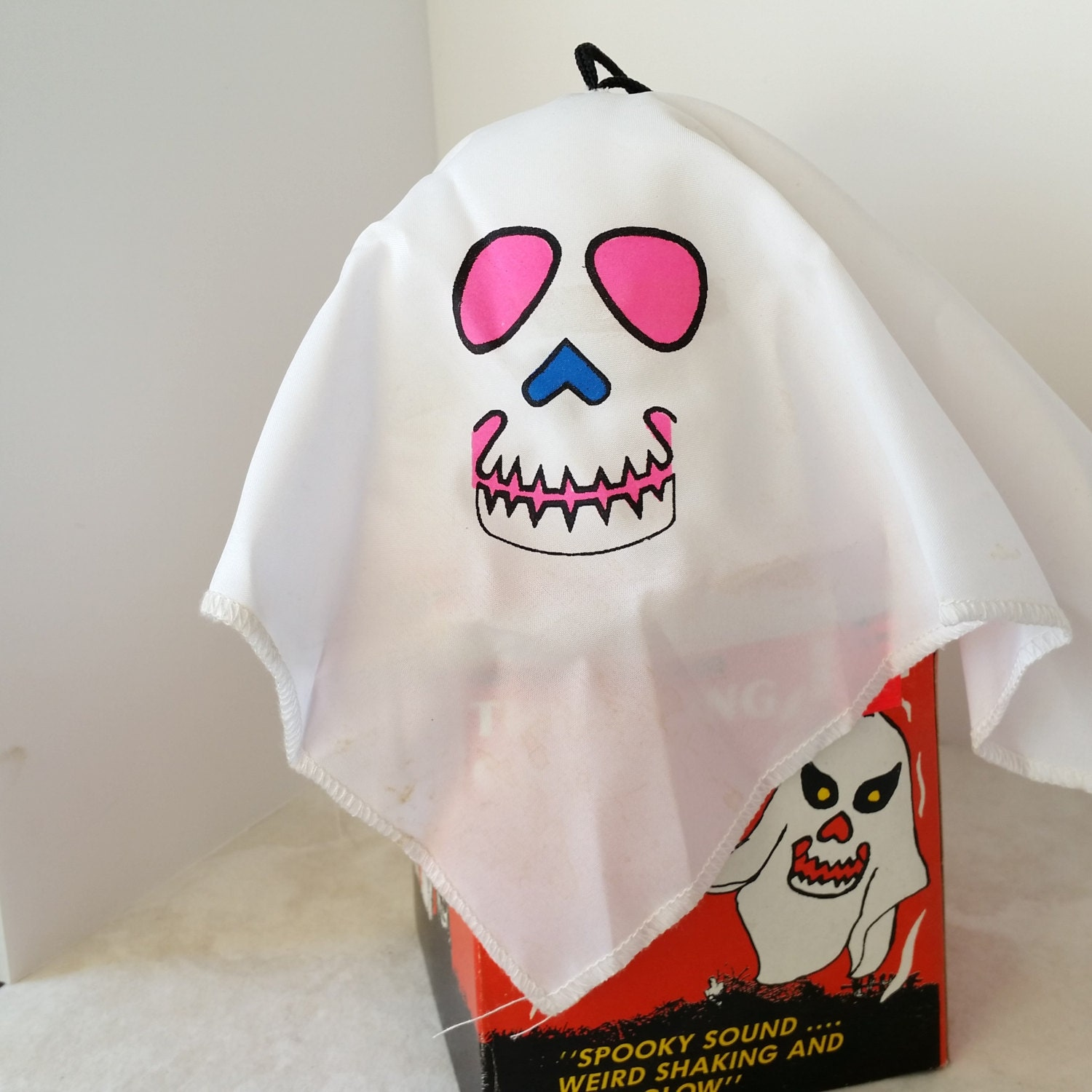 Vintage Halloween Decoration Thrilling Ghost By