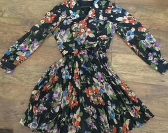 pleated vintage knee high dress s/m