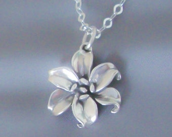 Sterling Silver Lily Flower Pendant On Necklace Chain