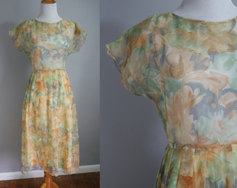 1970's does 1950's Dress // Sheer Peach Flowers // Large