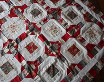 Unfinished Quilt Top Ready to Quilt Throw Lap Snowball Red Gray Cream