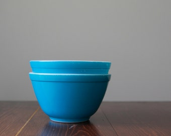 Pyrex turquoise bowls