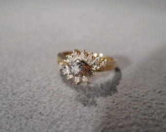 Vintage 10 K Yellow Gold 13 Round Diamond Fancy Wedding Engagement Band Ring, Size 7.5