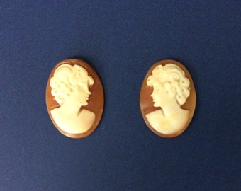 Beautiful Carved Shell Cameo, 18x13 mm Matching Pair