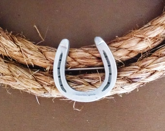 Horseshoe Pin/Brooch, Tiny Horseshoe Pin, Gift for Horse Lover
