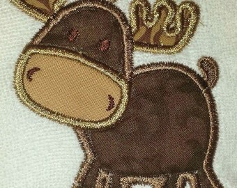 Adorable moose available on a bib, burp cloth, body suit or t shirt. Unisex design, colors can be customized.