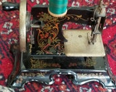 Antique Toy Model Sewing Machine / Miniature Sewing Maching